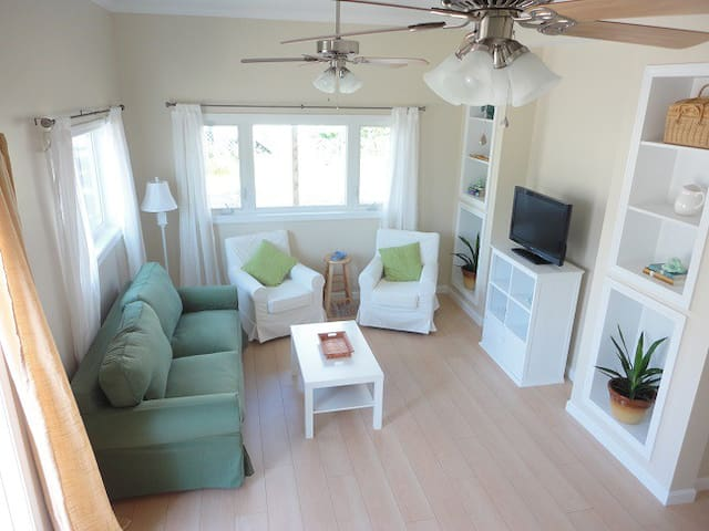 Beautiful 1 Bedroom getaway - Saco - Byt