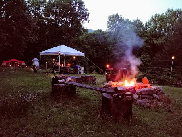 ALL GEAR INCLUSIVE } Camp Uptown Backwoods (CUB)
