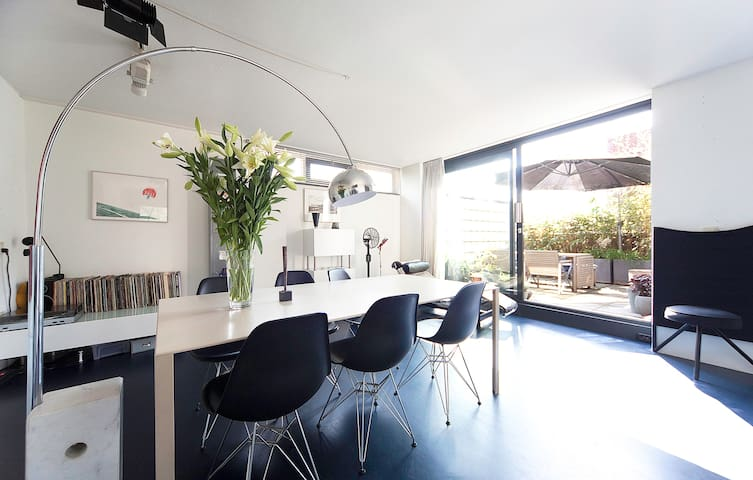 Spacious home with sunny terrace 2p