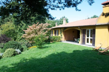 Family-Owned Country Villa - Comabbio - Villa