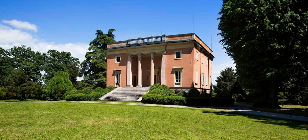 Villa Arnò Bed and Breakfat - Albinea - Bed & Breakfast