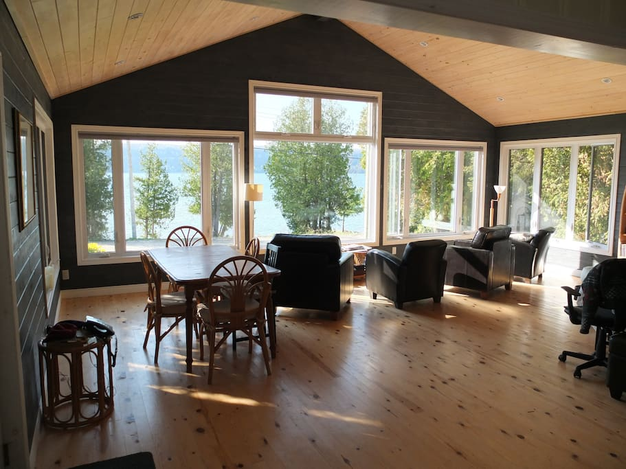 Waterfront cottage on georgian bay hope bay cabins for for Georgian bay cabin rentals
