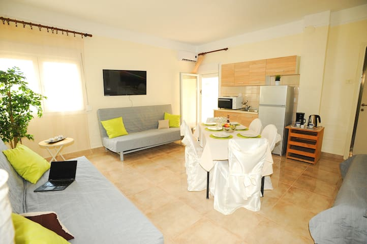 LUX APART GREECE Agia Triada - 99 m from the sea! - Agia Triada - Apartament