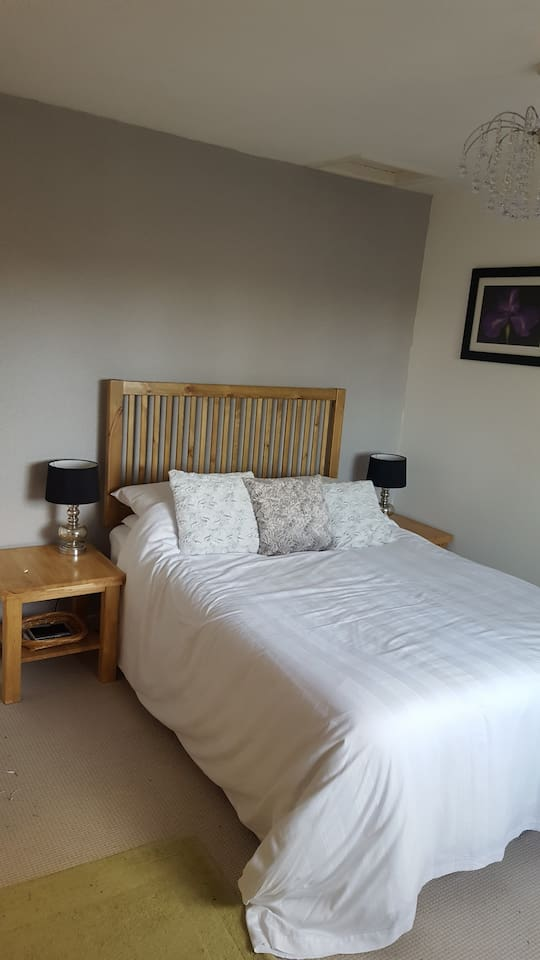 Double bed hotel quality bedding