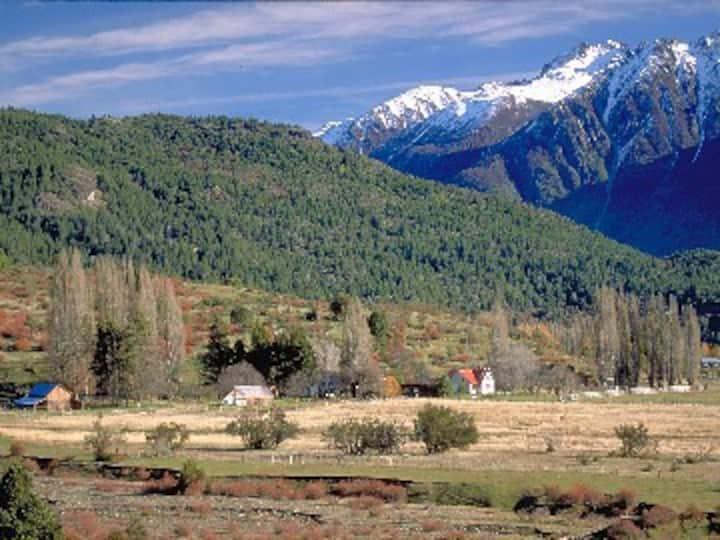 880 Acre ranch in V. Lago Rivadavia