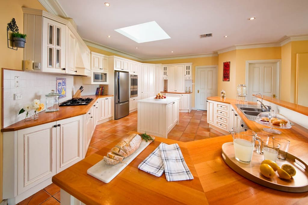 Gourmet Kitchen, perfect for entertaining