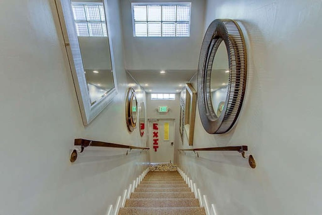 Shared stairwell to main entrance