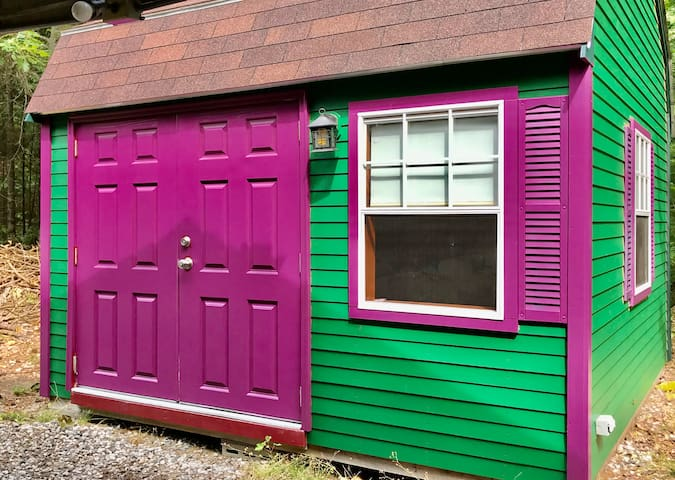 Granddaddy Purple Cabin on Crooked River (21&Over)