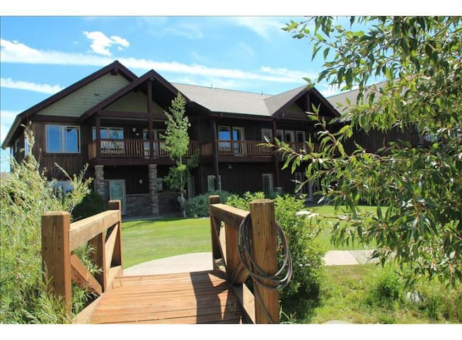 Pagosa Springs Luxury Townhome T107
