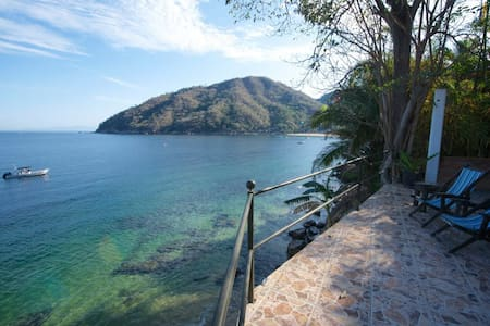 MiraMar: Casa Manta Ray, Ocean Side - Yelapa - House