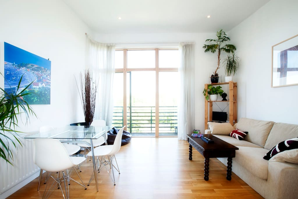 Modern, light & airy Oxford flat