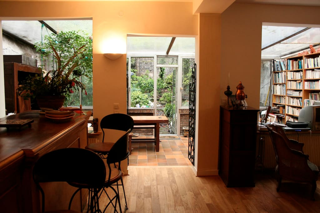 Chambre dans maison avec jardin houses for rent in paris for Restaurant ile de france avec jardin
