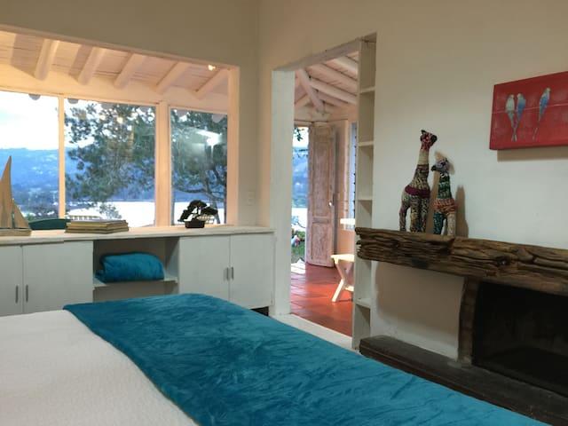 Lago: Cozy suite with lake view - El Retiro - Haus