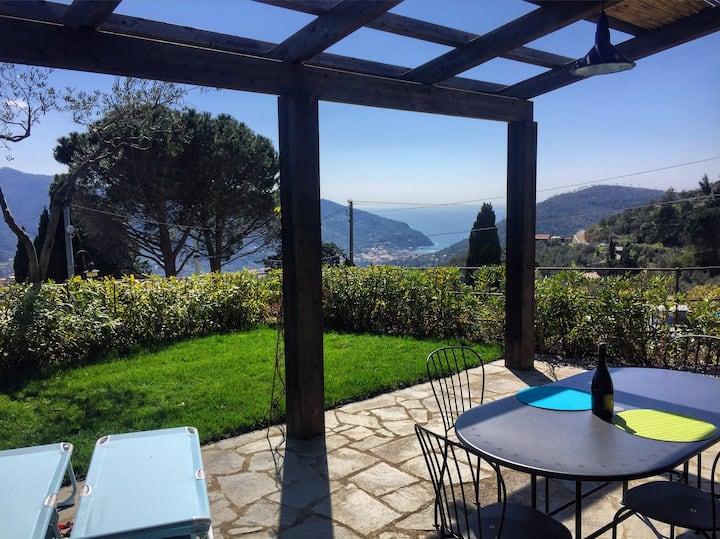 Romantic Nest close to Cinque terre, sea view
