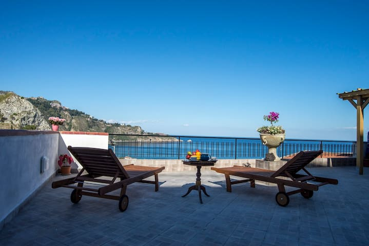 Exclusive Panoramic sea view - Giardini Naxos - Apartamento