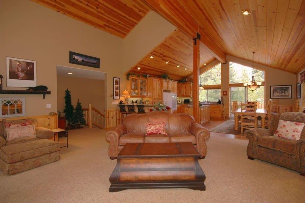 Homewood Heaven Living Area
