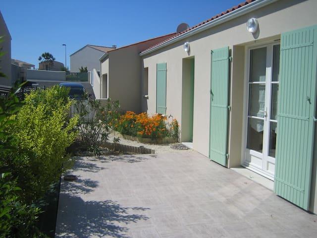 La Villa de l'Estran calme et mer - Port-des-Barques - Casa