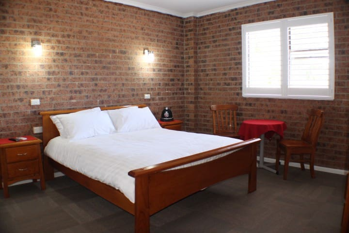 Available five individual bedrooms  - Sanctuary Point - Bed & Breakfast