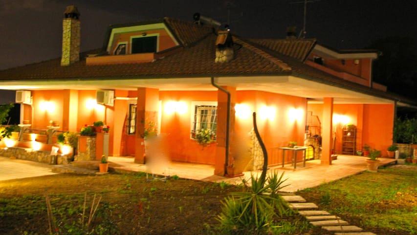 Alla Quercia B&B  - ORANGE ROOM - Monterotondo - Bed & Breakfast