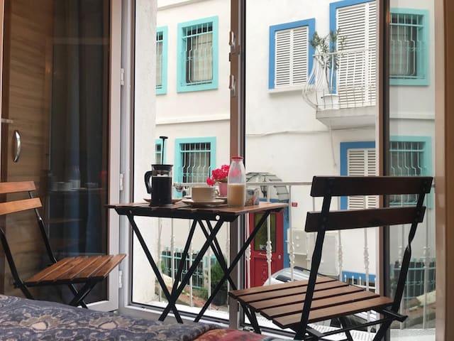 Cosy Apartment in Historic Penisula & Wi-Fi