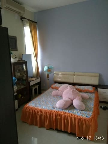 Cozy 2BD with parking included - Melaka - Dom
