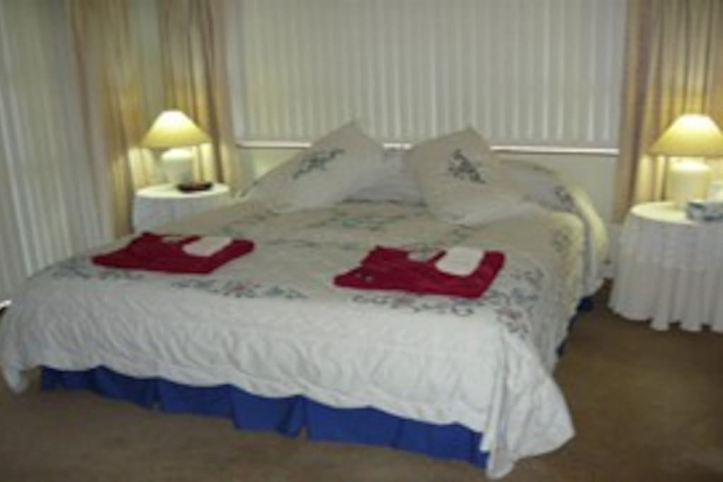 King bed with Ensuite