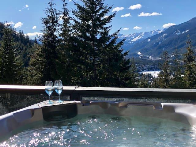Ski-In/Ski-Out -Private Hottub-Townhouse