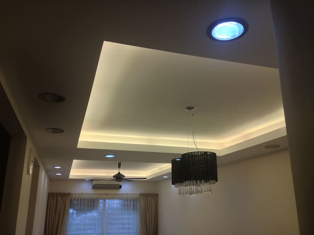 Comfy AC room near 2 LRT cw parking - Bukit Jalil, 58000 Kuala Lumpur - Pis