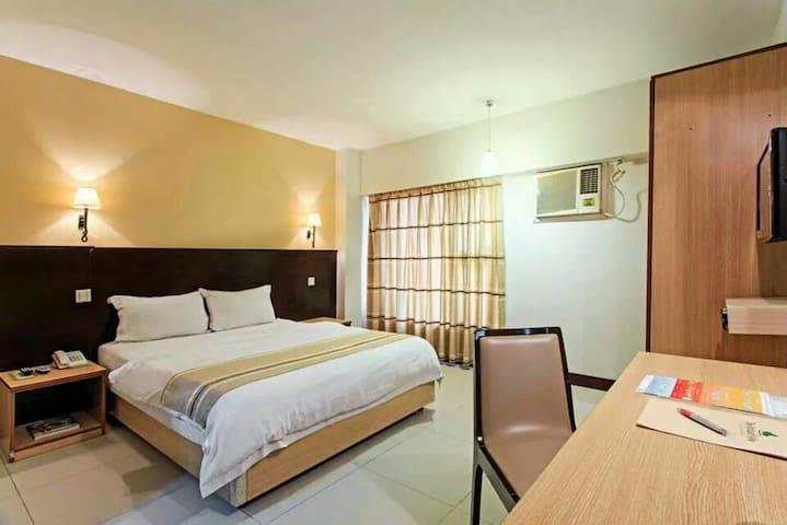 Deluxe Hotel Room - Mandaue City - Bed & Breakfast