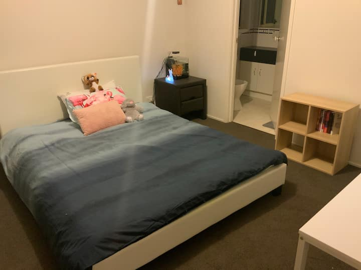 主卧 阳光房cozy room near monash uni & clayton station