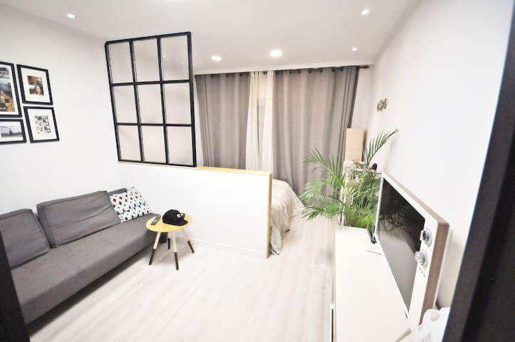 [Super host]cozy and clean/ 1min to gwang an beach