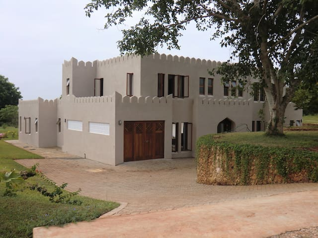 Kuzi House, F92, Vipingo Ridge Golf Estate, Kenya - Mombasa - Rumah