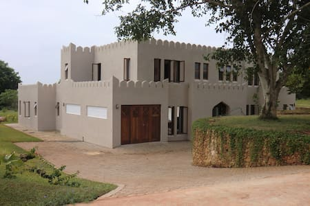 Kuzi House, F92, Vipingo Ridge Golf Estate, Kenya