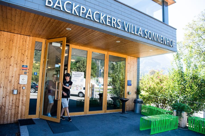 Backpackers Villa, Hostel Interlaken - 2 bed room