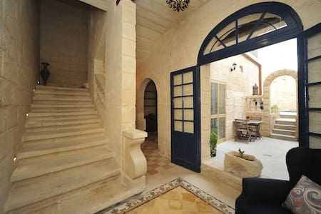The Stonehouse Malta - 'Amethyst' Double Room - Saint Julian's - Reihenhaus
