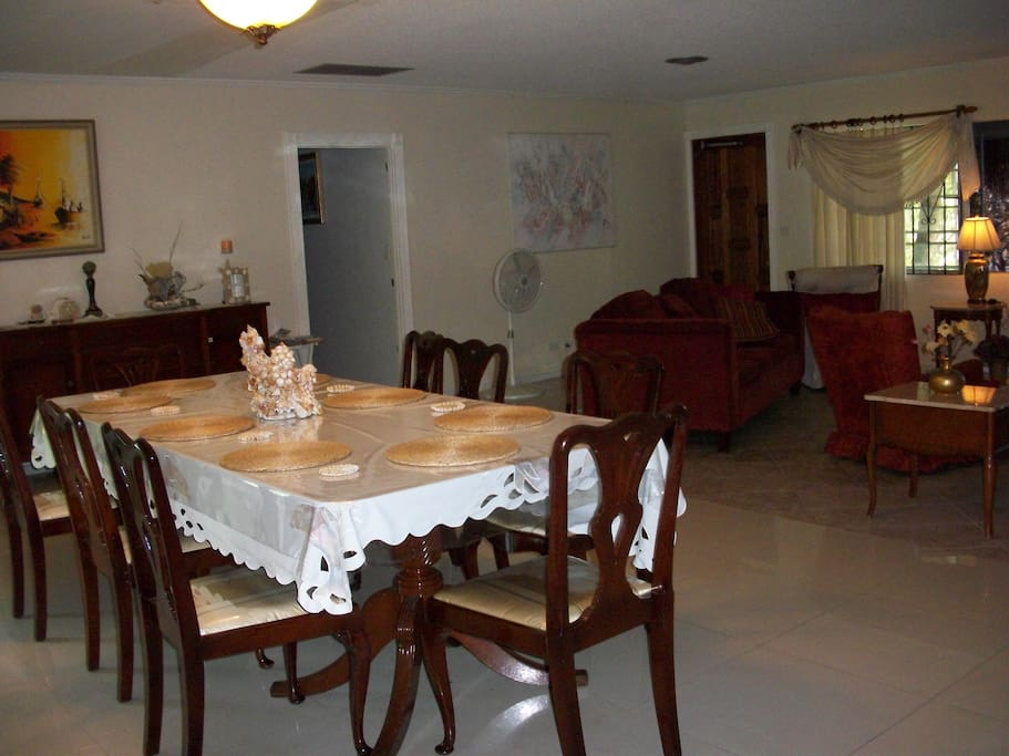 dining room (living room area to the right)