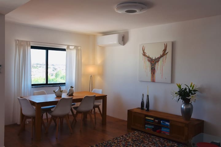 Fabulous, Central Apartment with Panoramic Views