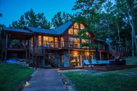 Stunning Lake House Retreat on the Potomac River