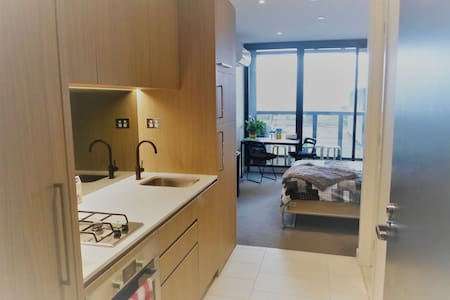 Luxury CBD Studio Apartment - Melbourne - Flat
