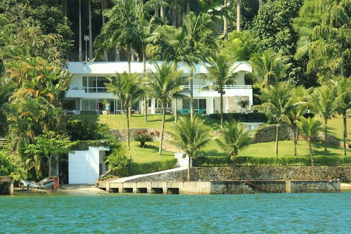Ang019 - Immense property in Angra dos Reis