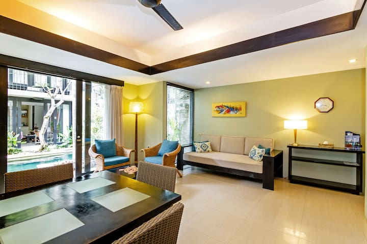 Relaxing western comfort moments to Sanur beach