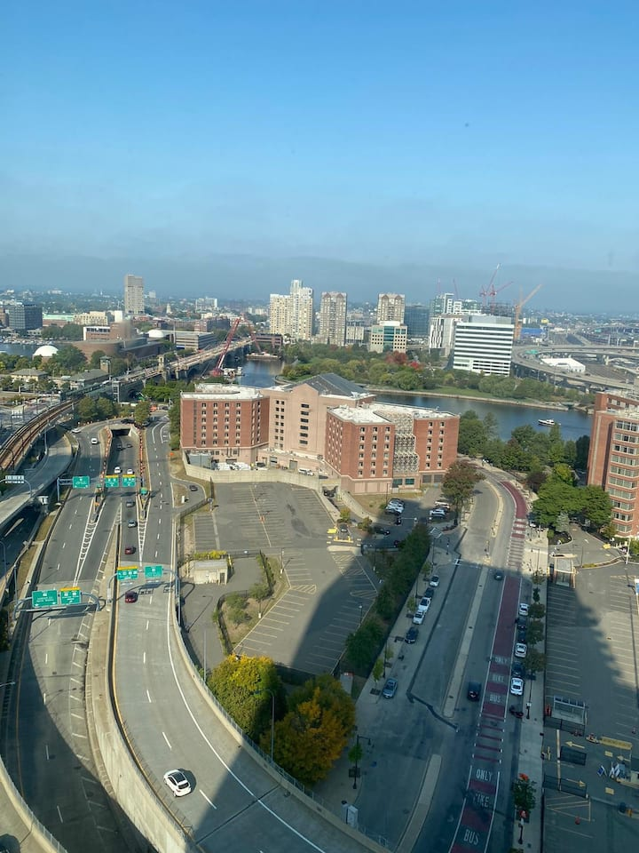 Amazing 2 br 2 ba steps to MGH, & Boston downtown