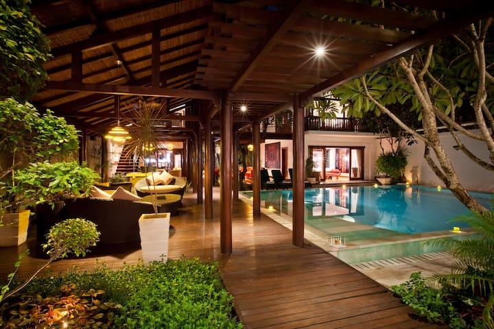 6 Bedroom Villa 200meters from Beach, Sanur;