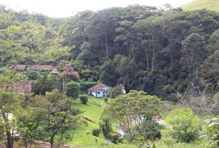 Charmosas Casas na Fazenda - Casa 1