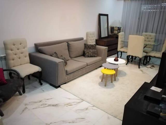 Un joli petit appartement bien placé