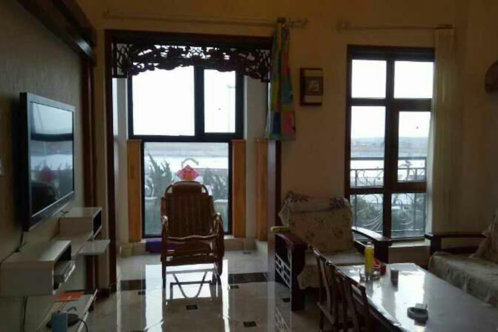 房间客厅,观景台