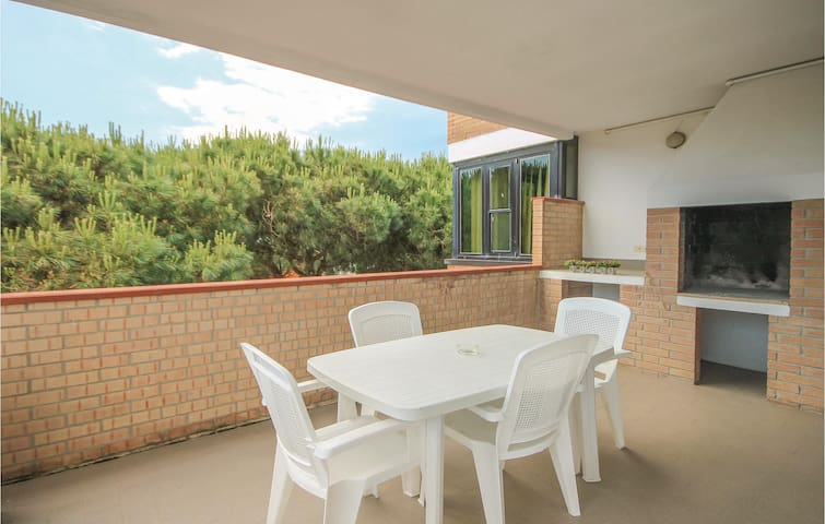Holiday apartment with 2 bedrooms on 60m² in Lido degli Scacchi FE