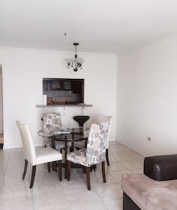 Spectacular View in Cozy Modern Apartment - Kingston - Condominium