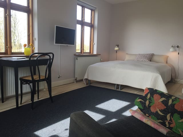 Landlig idyl nær Aarhus-Bed & Kitchen - Hadsten - Bed & Breakfast