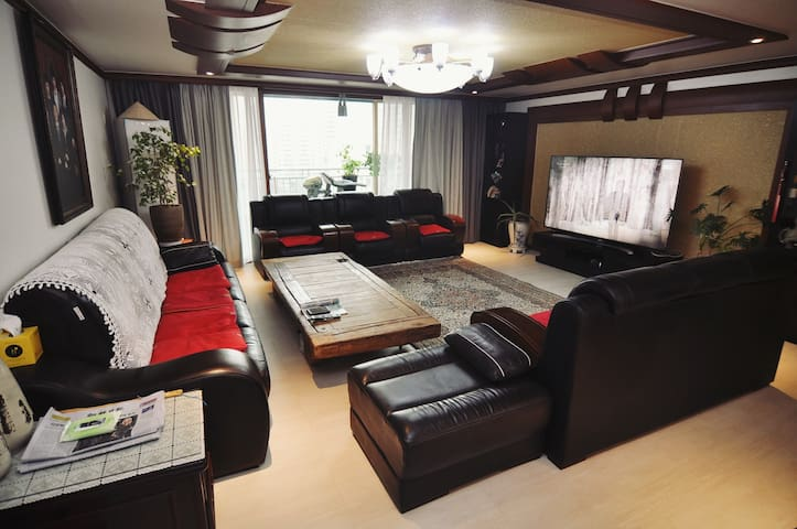 Between ICN and Gimpo airport. Pivate rooms (2BR)